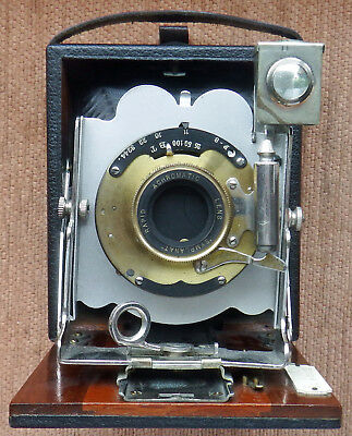 Houghtons '' The Tudor '' 1/4 Plate Folding Camera C1905-1910 With Case.