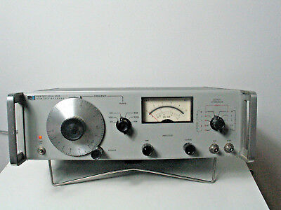 HEWLETT PACKARD Test Oscillator Model 651B