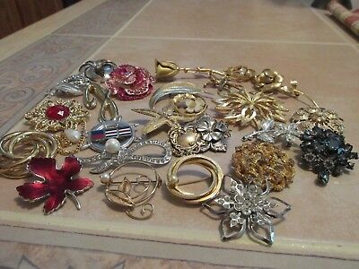 Very Nice Vintage Lot Of 25 Pins Brooches All Wearable All Sellable Pl3