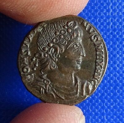 Constantine the Great, 307 - 337AD, AE15. Glory to the Army. Trier. (Treveri)