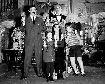 """""""The Addams Family"""" Cast From The Abc Tv Show - 8X10 Publicity Photo (Az230)"""