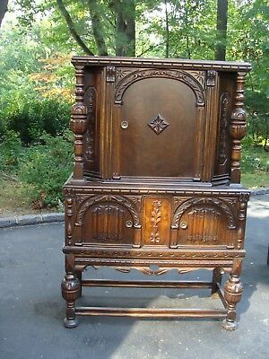 Hutch/Breakfront Dark Wood Jacobean Style