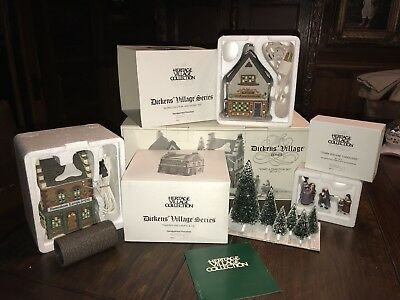 Dickens' Village Series - Department 56 - Start A Tradition Set - NO Reserve
