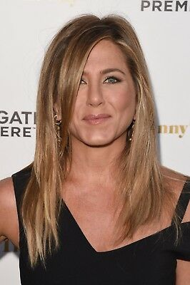Jennifer Aniston Covering The Eyes With The Hair 8x10 Picture Celebrity Print