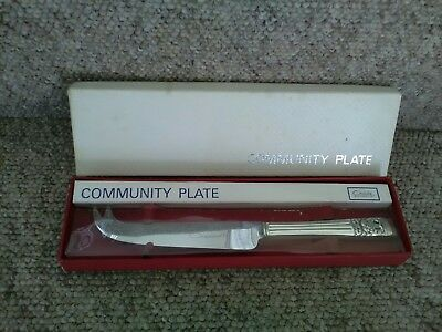 Boxed Oneida Hampton Court Community Plate Cheese Knife.Pre-Owned.