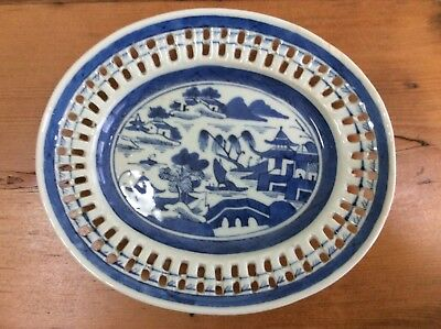 Small Reticulated Blue Canton Chinese Export Platter, circa 1800