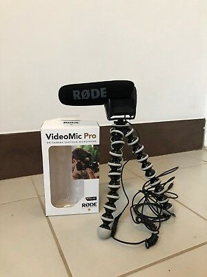 RØDE VideoMic Pro Microphone with stand