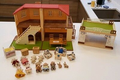 Sylvanian Families Maple Manor House and Car Port PLUS Figures and Furniture
