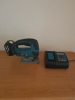 MAKITA LXT cordless 18v jigsaw model DJV180 complete with 4AH battery +charger.