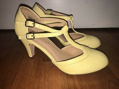 Pale Yellow Period T-strap Character Shoes (Size 7)