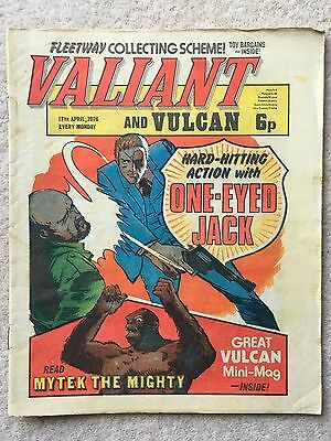 VALIANT AND VULCAN #2 - 17th April 1976 + FREE GIFT VULCAN MINI MAG
