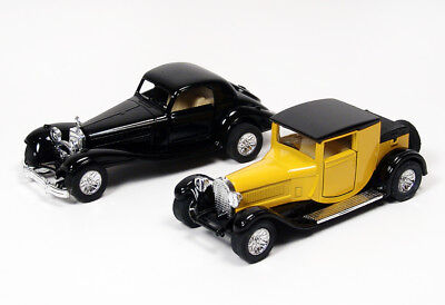 Lot of Two Antique Classic 1:38 Scale Diecast Replica Model Cars