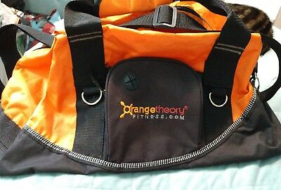 424d9bf1163b Pre-Owned Orange Theory gym bag 17X10X9 OTF nylon duffel fitness workout  tote