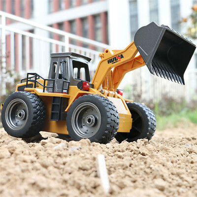 HuiNa Toys 520 6 Channel 1/18 RC Metal Bulldozer Charging RC Car