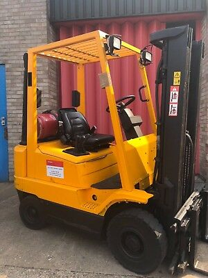 Forklift Gas 2 Ton Hyster With Sideshift, Very Good Condition