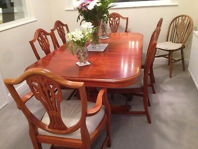 Mahogany Extendable Dining Table and 6 Chairs sideboard with glass cabinet