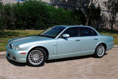 2008 Jaguar XJ8 Sedan Dare To Stand Out In The Crowd with this beautiful Sea Frost Green Metallic Jag