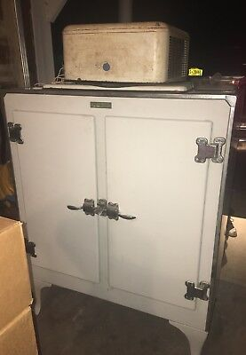 1930s GENERAL ELECTRIC REFRIGERATOR~FRIDGE~TWO DOOR~MONITOR TOP~HENRY L STIMPSON
