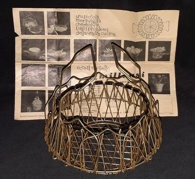FOLDING COLLAPSIBLE WIRE EGG COLLECTING BASKET-Vintage Made in Italy w/direction