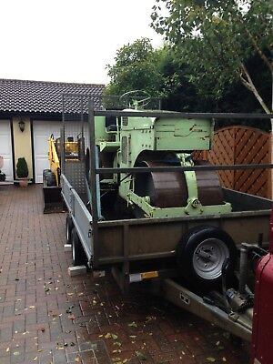 Vintage Road Roller 2.7 ton fully working condition.
