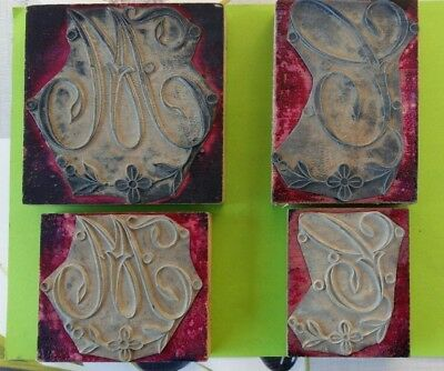 4 anciens tampons, monogramme  broderie, lettre