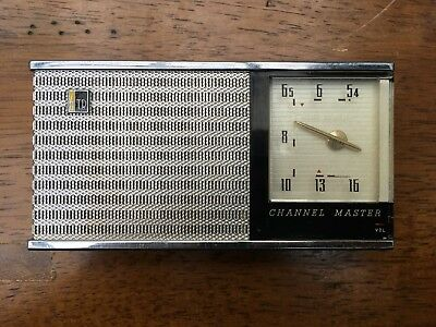 Channel Master Model 6506 6 Six Transistor Radio, Black with Chrome and Case