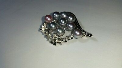 950SV Silver & Pearl Broach
