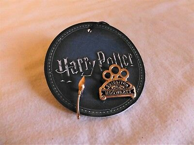 Brand New Harry Potter Quidditch Badge Pin And Broom
