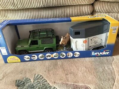 New Bruder Genuine Land Rover Defender Toy With Horse Box & Horse