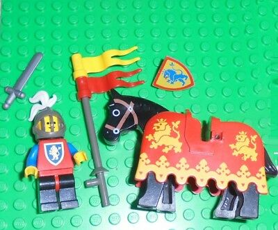 Lego Lot of  Vintage Castle HORSE with LION KNIGHT BARDING & KNIGHT 1988-1990