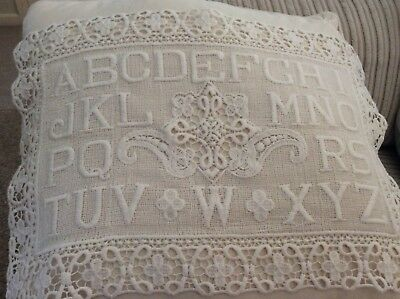 Tapestry lace