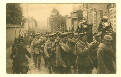 Rare 1915 Vintage Print PostCard WW I  German prisoners entering Paris France