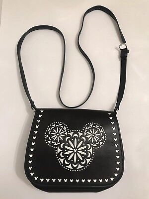 e9a745bb89 DISNEY VERA BRADLEY Mickey Mouse Laser Cut Purse Crossbody EUC ...