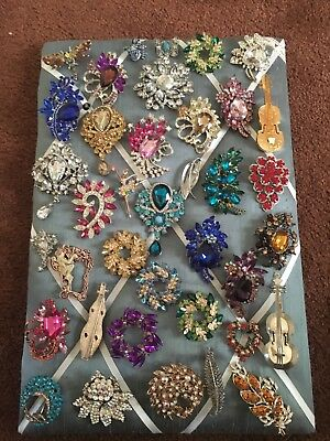 Large Job Lot Collection Of Costume Brooches 38 In Total