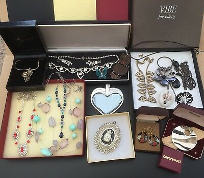 Job Lot Of Costume Jewellery Necklaces Earrings Brooch Pendants Rings With Boxes