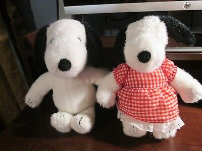 """vintage 1968 United Syndicated 12"""" plush Snoopy dog & sister Belle (rare)"""