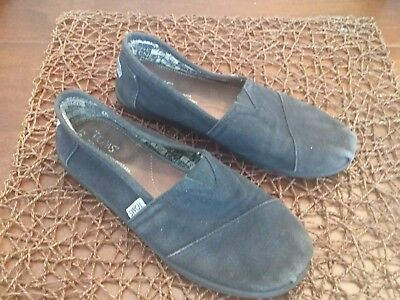 Girls Toms Size 4 Youth black