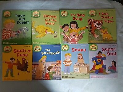 Biff Chip and Kipper Phonics Books Level 3 - 8 books  In excellent condition