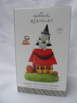Hallmark Halloween 2014 Hangin' with Count Snoopy magic plays spooky music