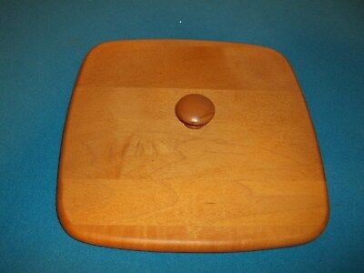 """Longaberger 8 3/4"""" Square Lid With Handle"""