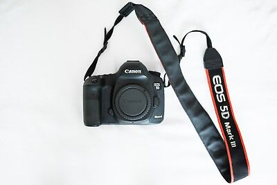 Canon EOS 5D Mark III 22.3MP Digital SLR Camera - Low shutter and extras!