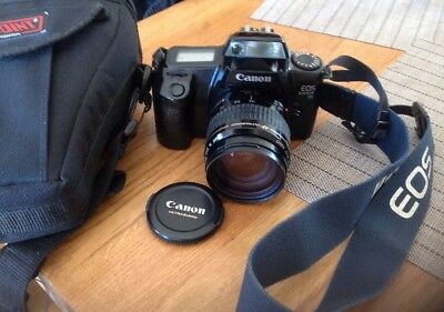Canon EOS 1000F 35mm SLR Film Camera with 35-105mm lens Kit