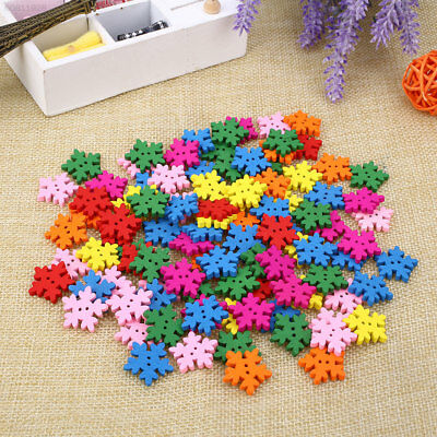 B024 100PCS/Pack Christmas Snowflake Button Wooden Scrapbooking 18MM DIY Colorfu
