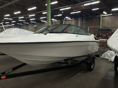 New Razor 1760  Cruiser    17.5   Feet,  3.0  Liters,  135  HP,  Inboard Motor