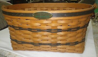 Longaberger - 16.5 x 11 x 8 Traditions Collection Family Basket