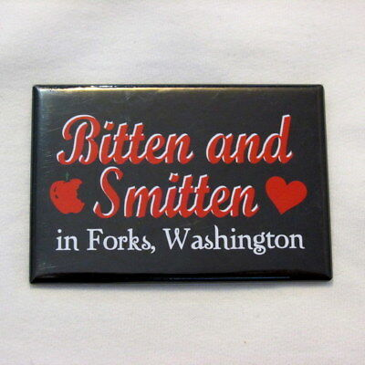 TWILIGHT movie Bitten and Smitten in Forks, Washington WA Magnet black red