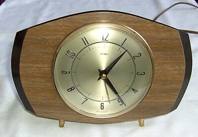 "Vintage 1950`s Metamec Melamine & Bakelite Electric Mantel Clock Height 6"" X 8.5"