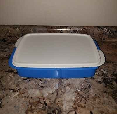 TUPPERWARE New LARGE LUNCH-IT DIVIDED CONTAINER Rectangular Blue