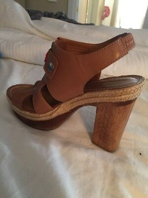 43ba56495a97 HUNTER WOMEN S SIZE 9 Tan Leather Platform Wooden Heeled Sandal Used ...