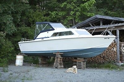 1973 Chris Craft Boat Express 25 Boat